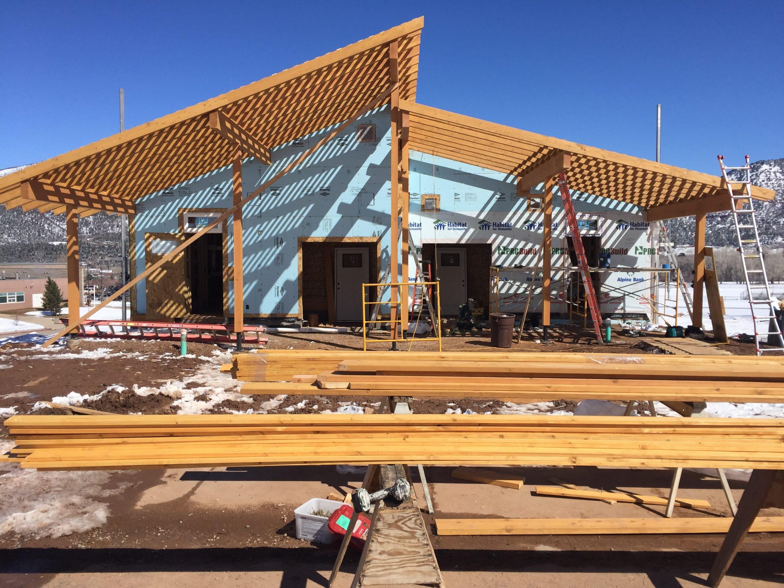 Home being built in Basalt Vista